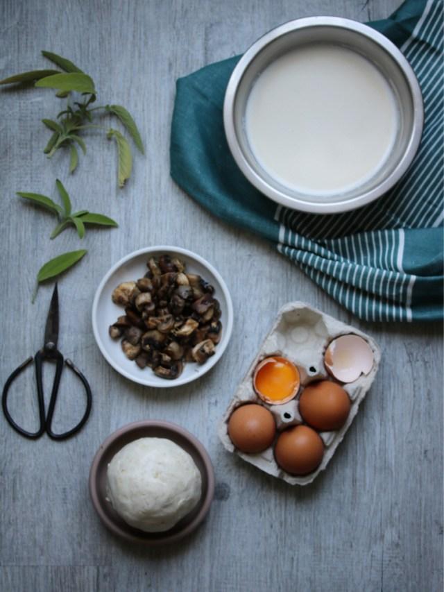 ingrédients pour réaliser : des champignons, une pâte sans gluten, des oeufs et du lait végétal   Mon petit balcon
