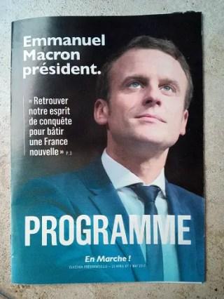 奥さんも話題のマクロン。フランスの次期大統領候補はどんな人?