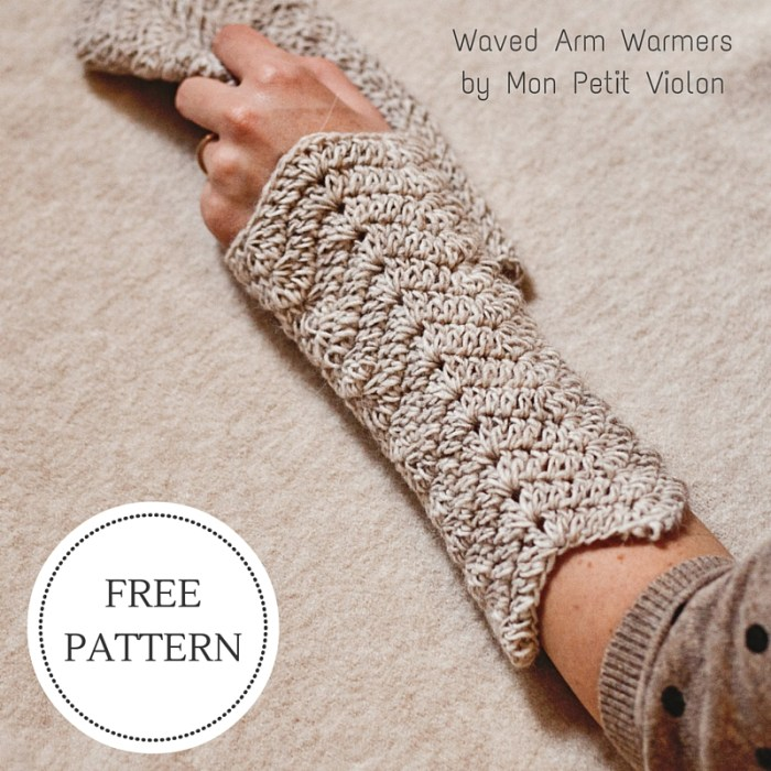 Free crochet pattern - Waved Arm Warmers by Mon Petit Violon