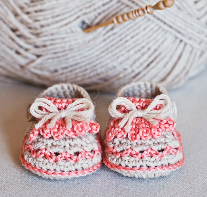 Two new patterns for baby booties–Fringe Loafers and High Boots