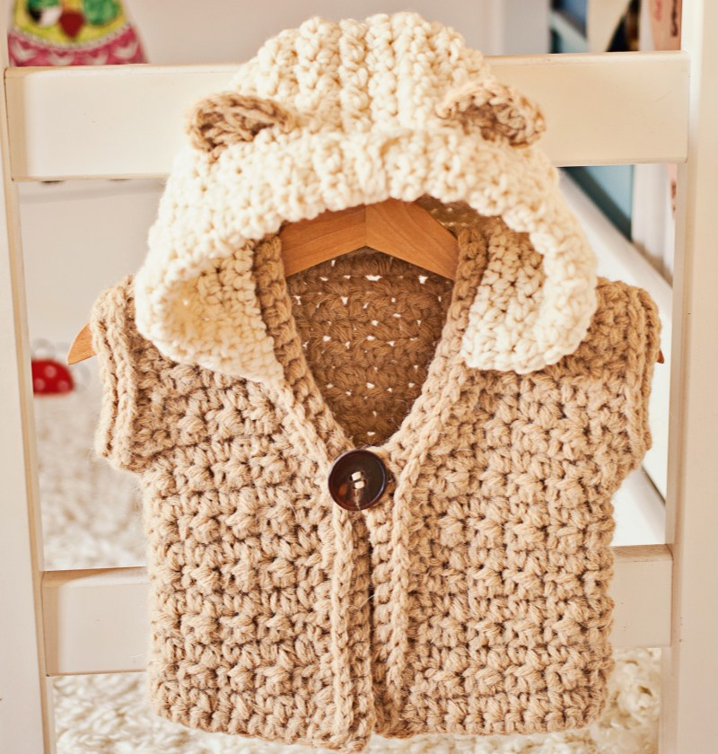 Super Bulky Hooded Vest / Cardigan, crochet pattern by Mon Petit Violon