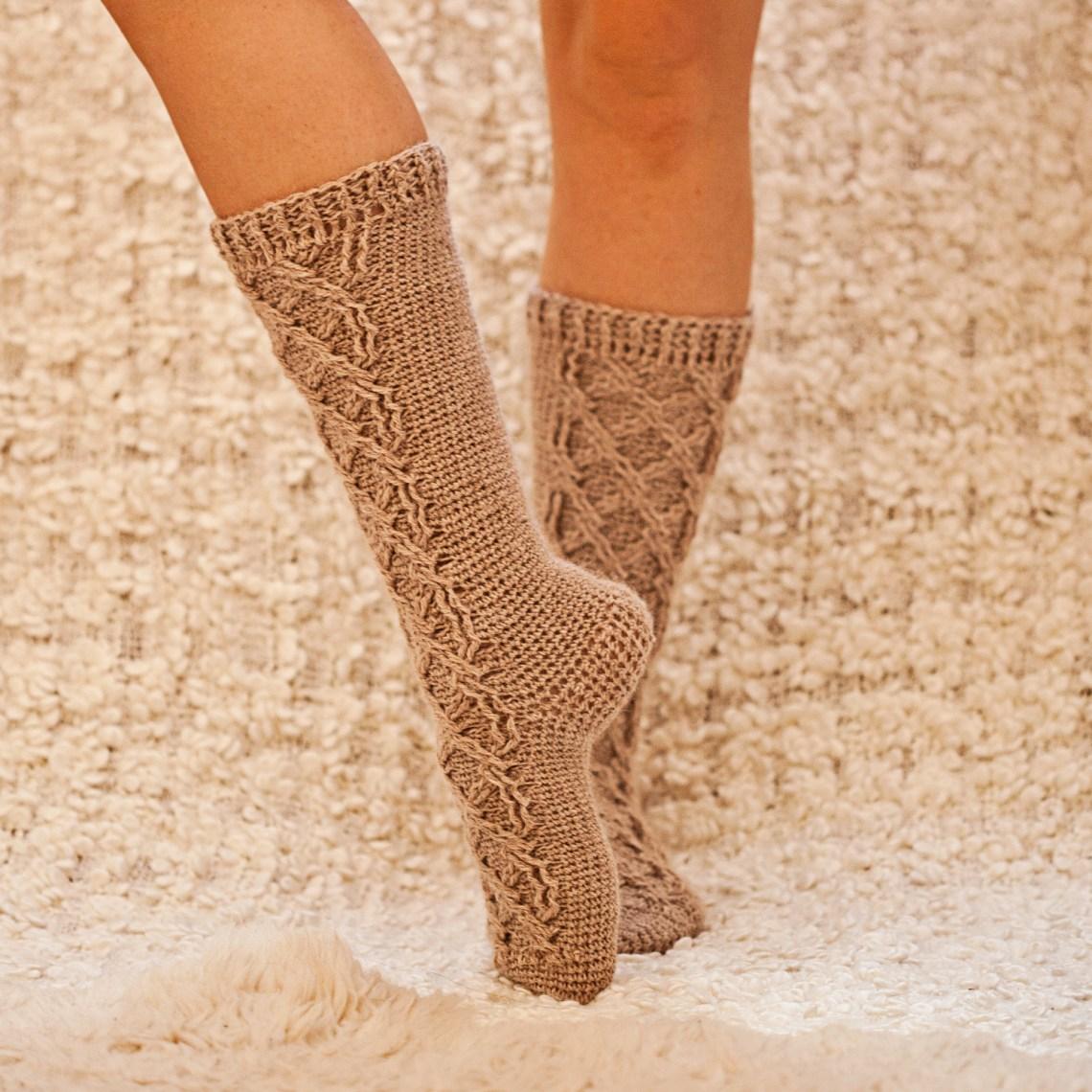Crochet Cable Socks - pattern by Mon Petit Violon www.monpetitviolon.com