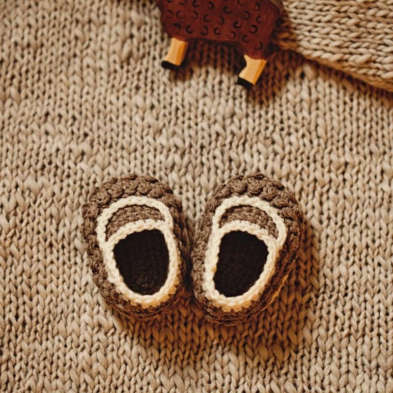 Little Lamb Loafers, crochet pattern by Mon Petit Violon