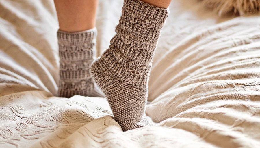 Pearl Socks, crochet pattern by Mon Petit Violon