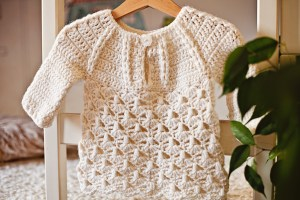 Raindrops Sweater, crochet pattern by Mon Petit Violon