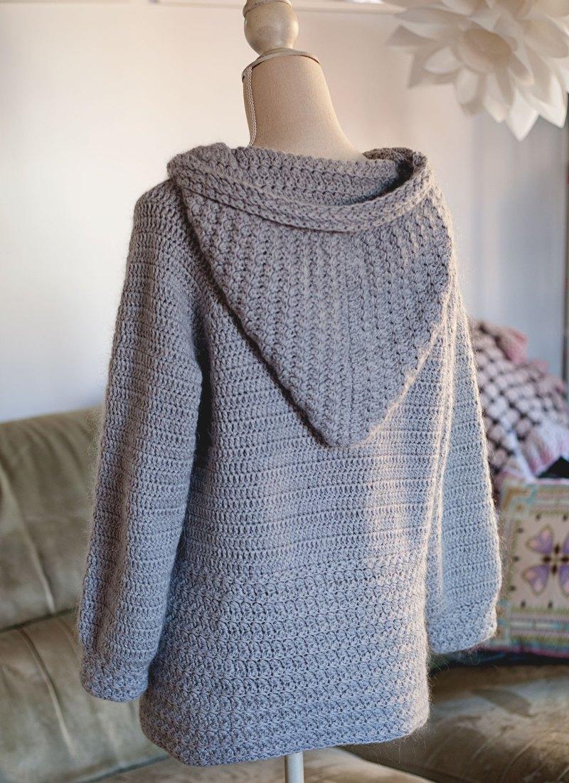 Mama Bear Hooded Cardigan - crochet pattern by Mon Petit Violon, www.monpetitviolon.com