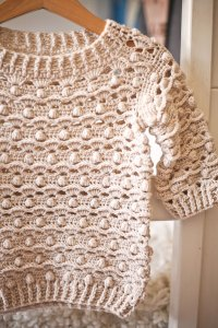 Waves and Bobble Sweater, crochet pattern by Mon Petit Violon