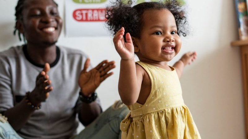 Relation mère-enfant en crèche et développement psychologique