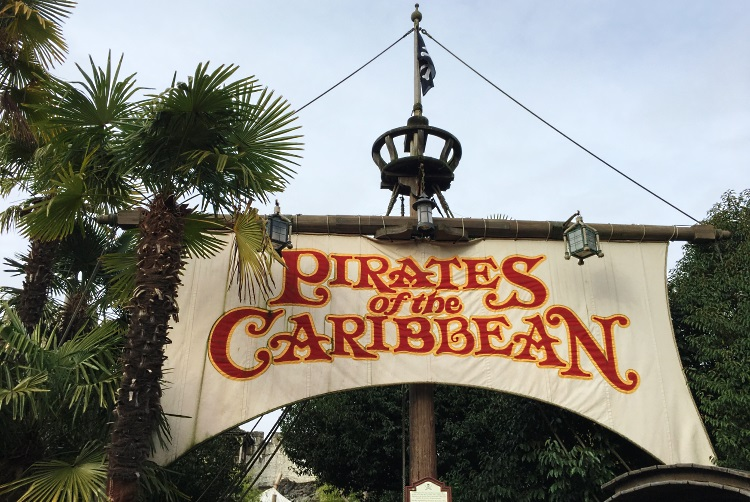 pirate-des-caraibes-disney