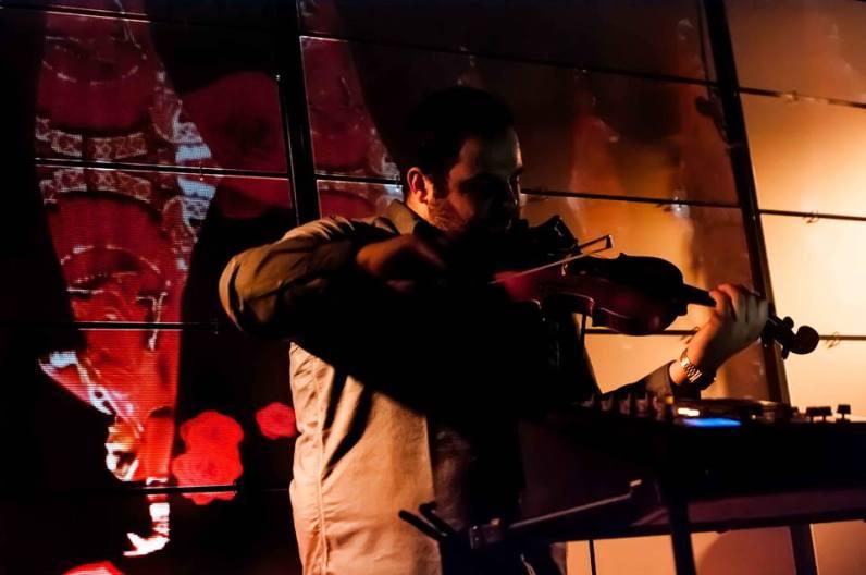 Samifati et son violon par © Irina Sovkine 2014