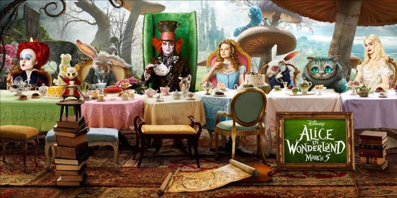 La table dans Alice au pays des merveilles de Tim Burton