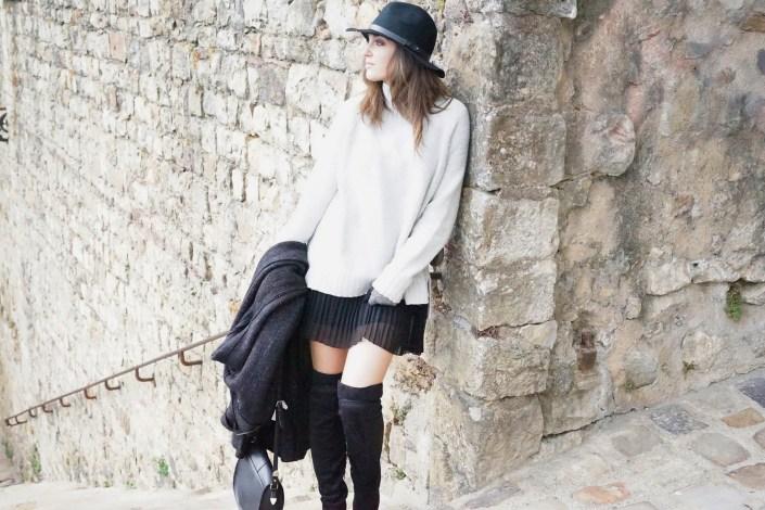 Long knit coat, pull XL & jupe plissée