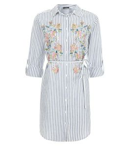 chemise-oversize-blanche-a-rayures-et-fleurs-brodees