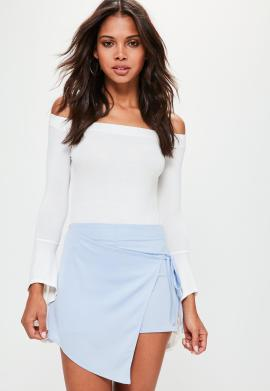 jupe-short-bleue-satine--nouer