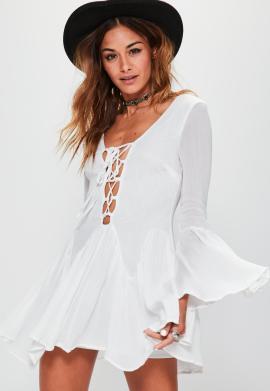 robe-blanche-volante--lacets-petite