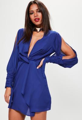 robe-bleue-cache-cur--manches-ouvertes-et-dcollet
