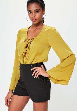 body-jaune-satin--lacets