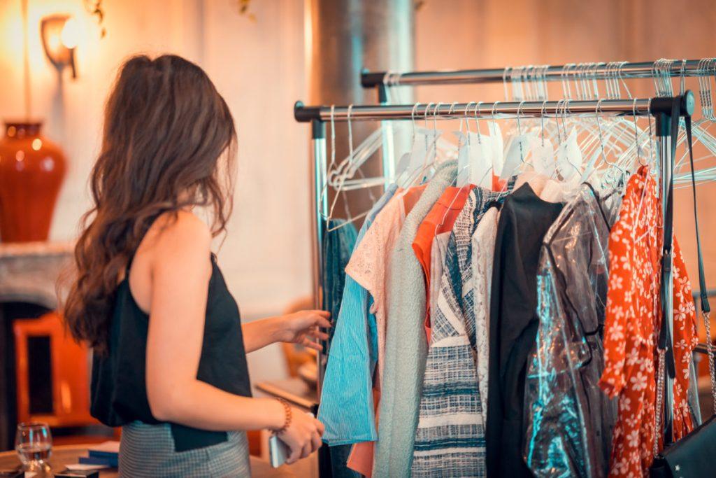 Florian Léger-VIDE LEUR DRESSING-blogueuses-paris-monsieurmada.me-magazine-lestendancesdelilou-vêtements-mode