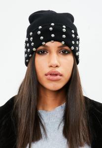 bonnet-noir--clous