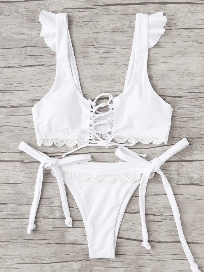 Bikini dentelle et laçage