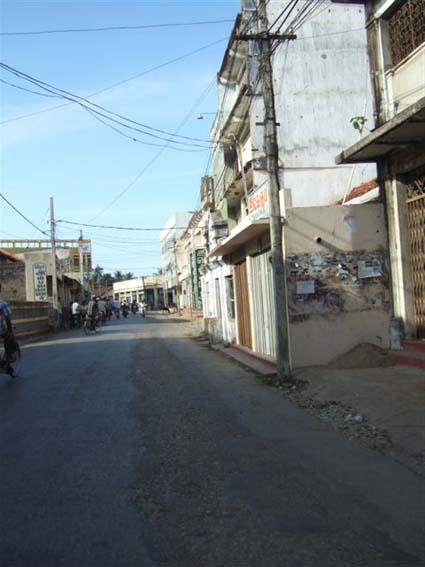 jaffna-empty-road