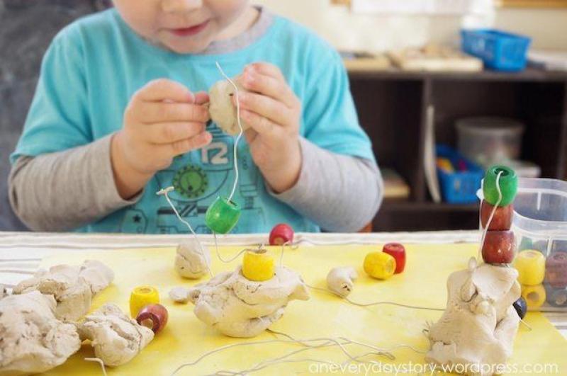 Actividades Sensoriales para Niños en Casa - Modelar con arcilla, plastilina o pasta de sal