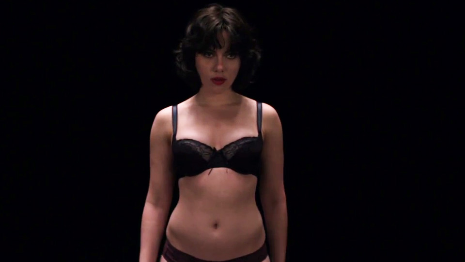 Scarlett Johansson seminuda in Under the Skin