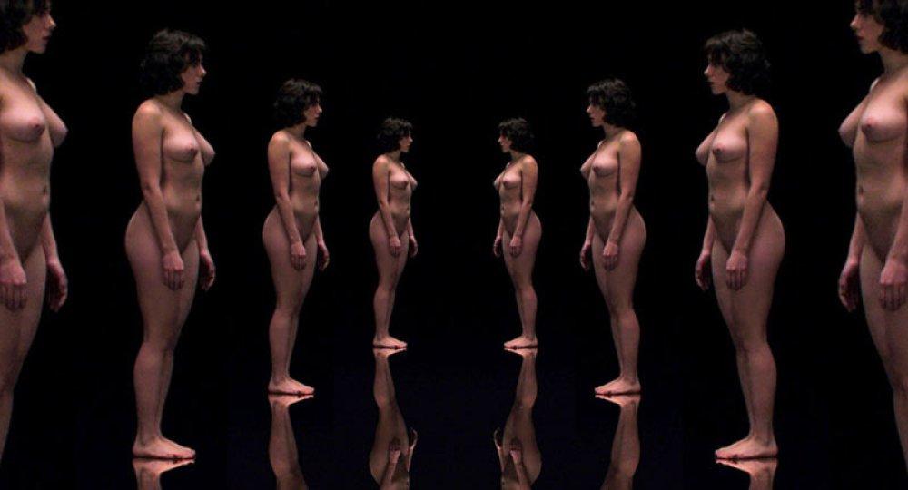 Scarlett Johansson nuda nel Sottosopra