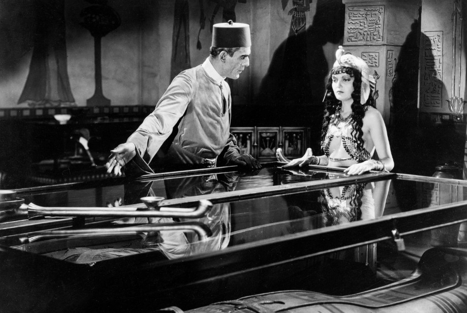boris-karloff-zita-johann-the-mummy-1932