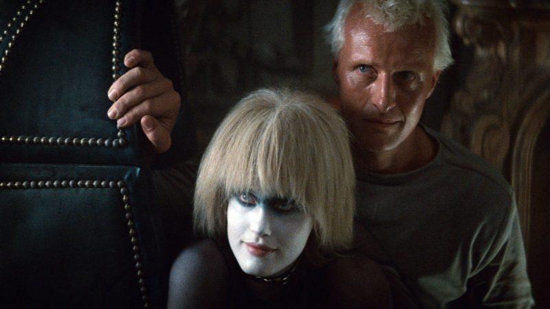 Daryl Hanna e Rutger Hauer in Blade Runner