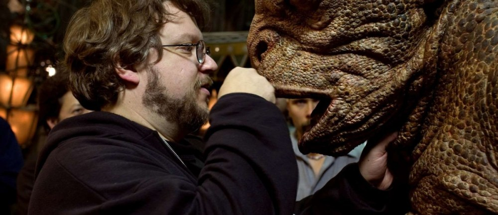 Guillermo-del-Toro-Hellboy-II-The-Golden-Army-1200x520.jpg