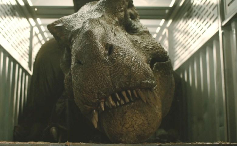 Fallen Kingdom tirannosauro in gabbia