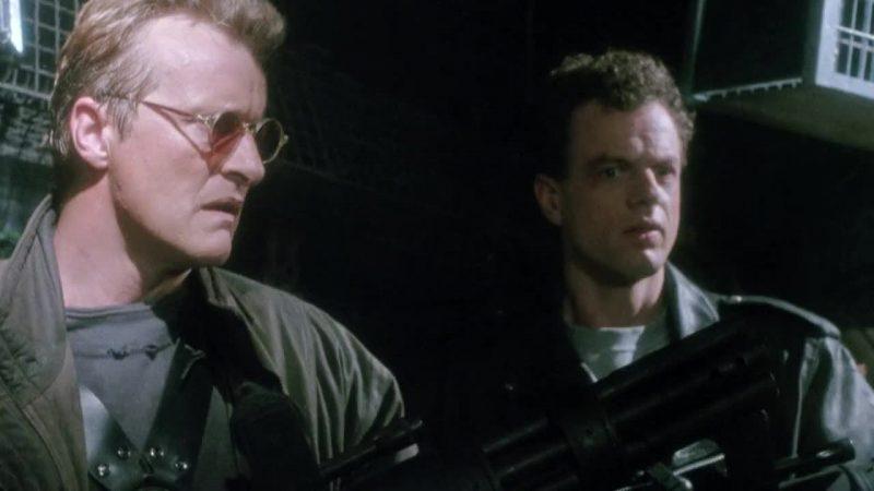 Detective Stone scena con protagonisti