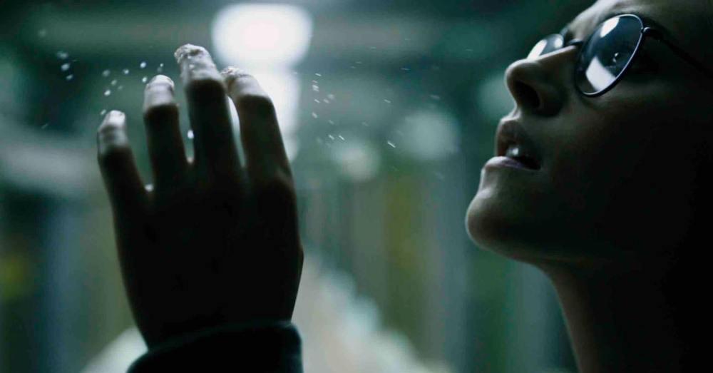Kristen Stewart Underwater 2