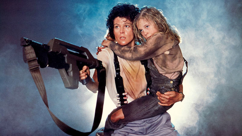 Aliens Sigourney Weaver poster
