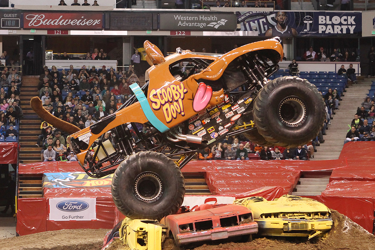 Scooby Doo Monster Truck Mystery Solved