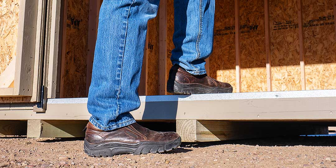 Pros and Cons Of A Shed Floor