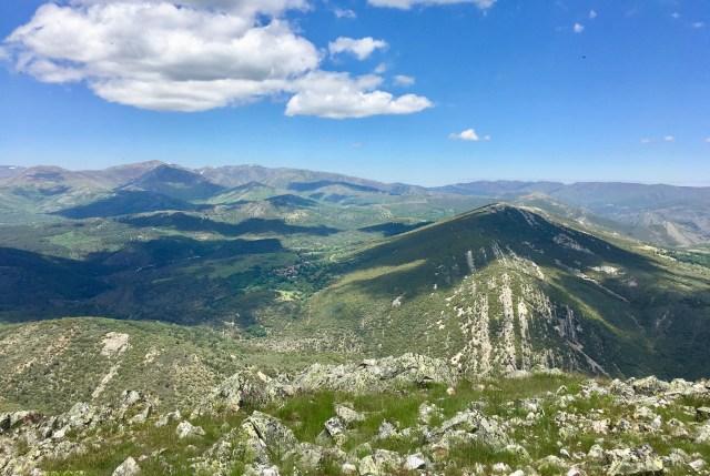Colmenar de la Sierra al pie del Cerro de Corralejo, visto desde el Cerro de San Cristóbal.