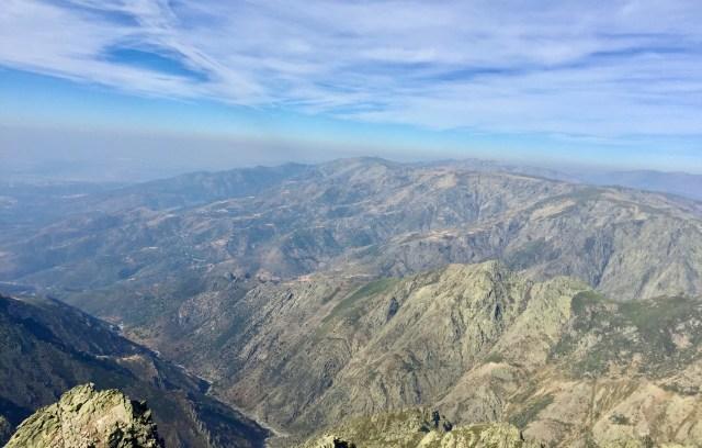 Vista O hacia Sierra Llana y Gredos occidental.