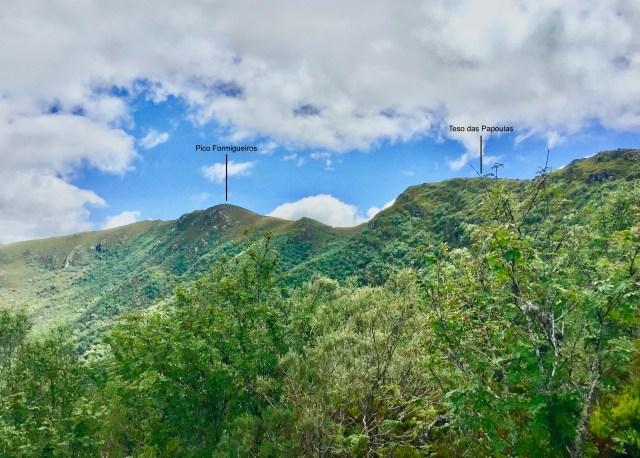 Cara norte del Formigueiros y el Teso das Papoulas.