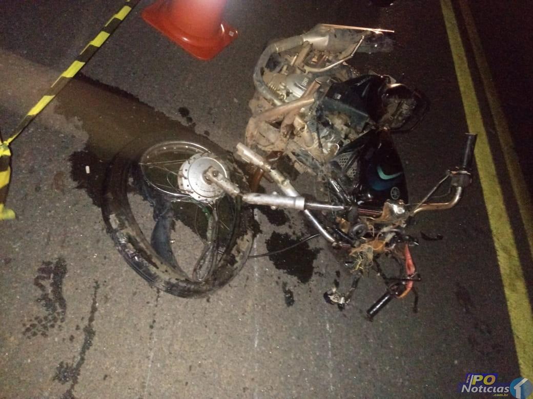 Motociclista morre após bater de frente com carreta na BR-040 em João Pinheiro