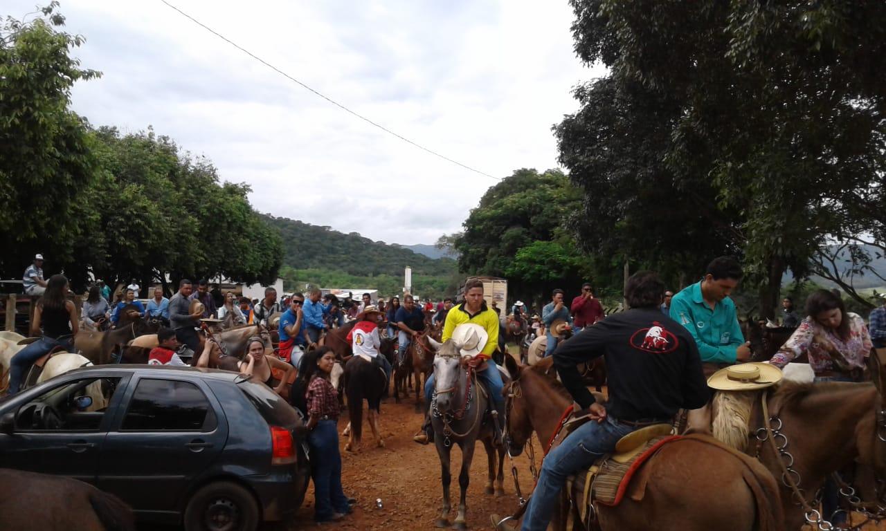 Cavalgada Perdidos na Invernada reúne mais de 300 cavaleiros e amazonas