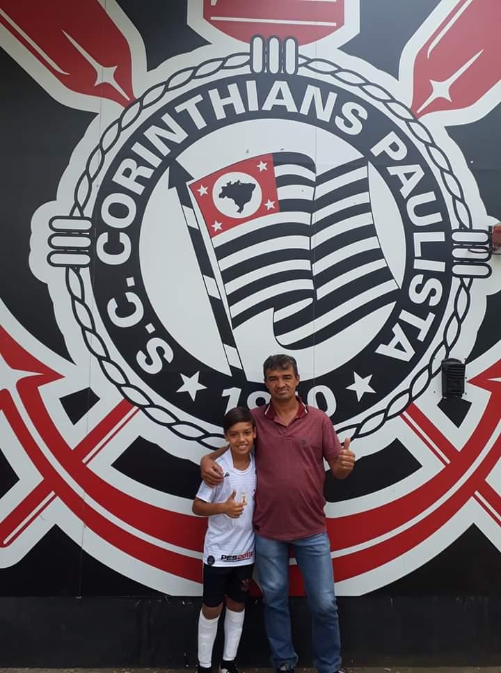 Garoto de Claro de Minas é aprovado em testes no Corinthians