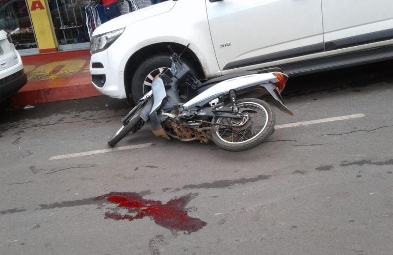 Idosa é atropelada por motociclista inabilitado em Vazante