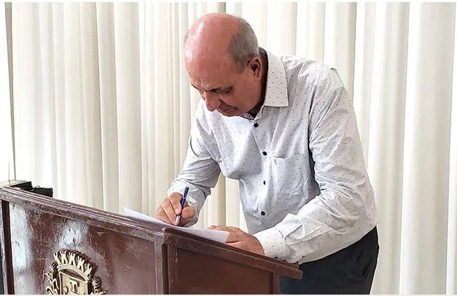 Prefeito de Patos, José Eustáquio é diagnosticado com trombose na perna e terá que se afastar para tratamento
