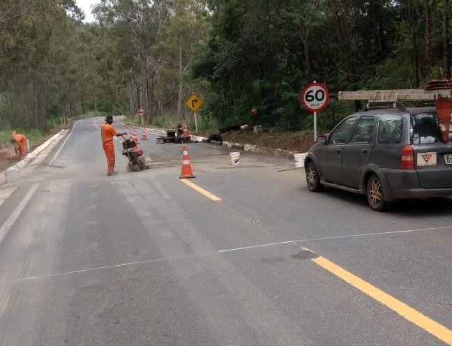 DER inicia serviço de instalação de radar na Serra do Indaiazinho