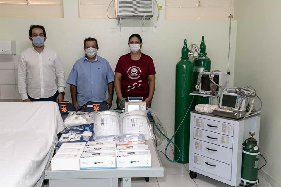 Câmara de Vazante entrega respiradores e kits de teste rápido ao município