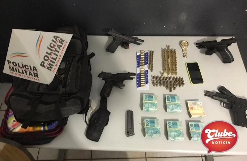 PM prende quatro pessoas com armas, munições e mais de 55 mil reais em dinheiro