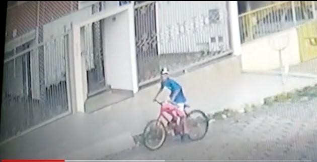Imagens mostram ciclista furtando cheques que somam mais de R$ 50 mil em Patos de Minas