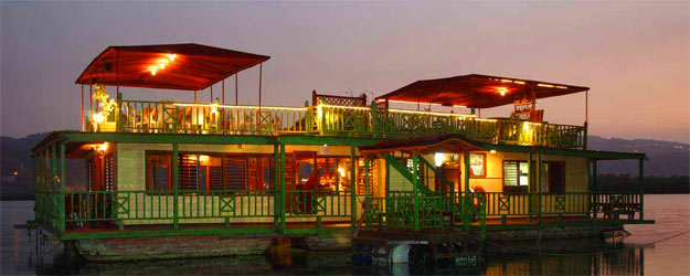 The Houseboat Grill
